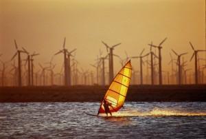 Китайцы построят ветряную электростанцию в море