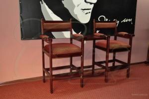 Кресла, стулья, табуреты