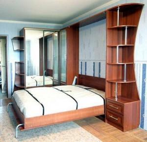 Кровать в шкафу — эргономичное решение для малогабаритной квартиры