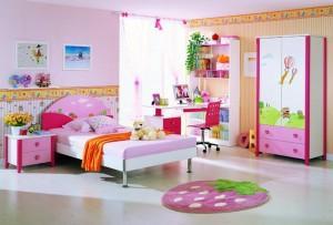 Мебель для детской: дерево или пластик?