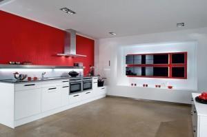 Красно- белый интерьер кухни. Как это сделать?