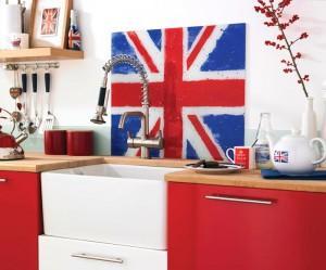 Интерьер кухни с британским акцентом. Детали и цветовые акценты