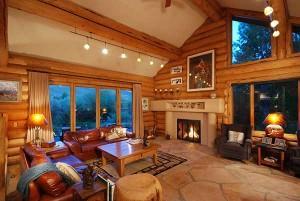 Жилой интерьер в стиле деревенского домика. Как это сделать?